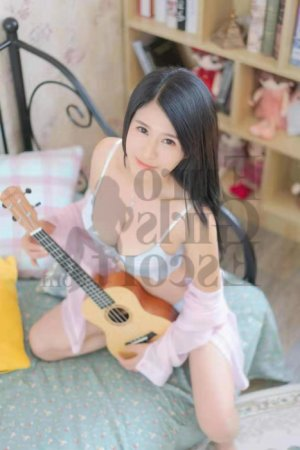 Aldina thai massage and escort girl