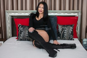 Sheyna nuru massage in Timberlake and latina escorts