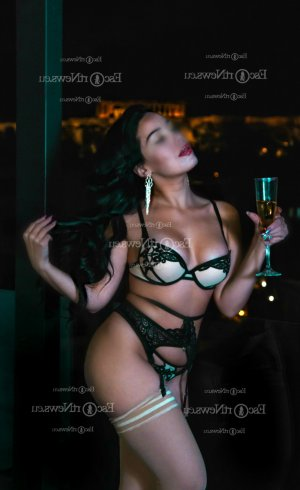 Nasla thai massage & latina escort girl