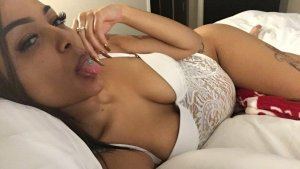 Sukran latina escort in Astoria & happy ending massage
